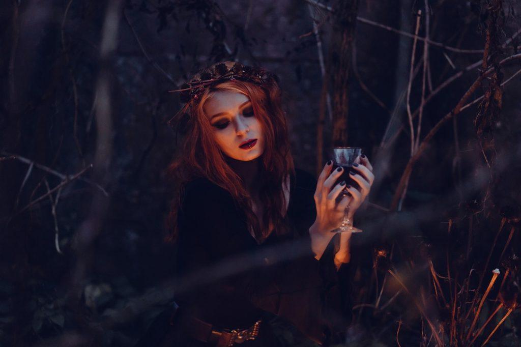 schwarze-magie-teufelspakt-hexen-flueche-linke-hand
